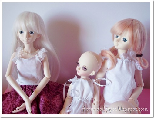New Arrival: A Mystic Kids Doll Review: The doll family portrait.