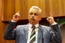 Robert Rios é o primeiro político do mundo a assumir o cargo de vice-prefeito, prefeito e secretário