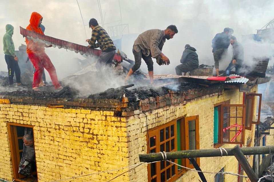 Massive Fire Breaks Out in Sopore Village