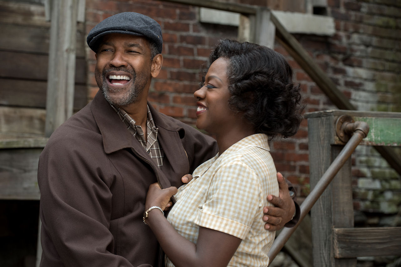 Denzel Washington plays Troy Maxson and Viola Davis plays Rose Maxson in FENCES. (Photo courtesy of Paramount Pictures).