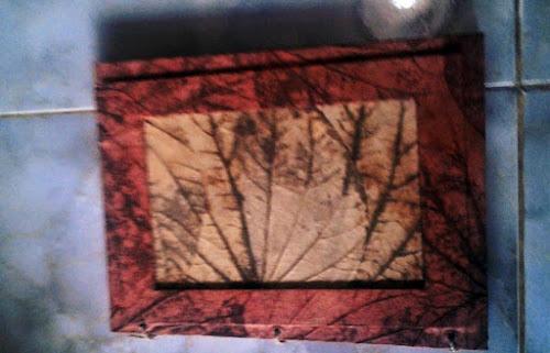 bingkai foto dari daun kering