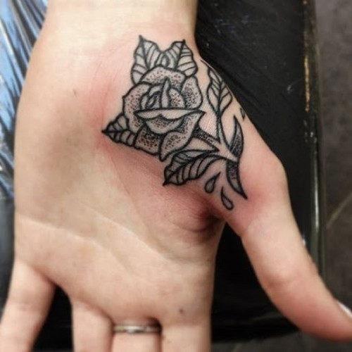 mao_tatuagens_mais_legais_projetos_do_tattoo_30