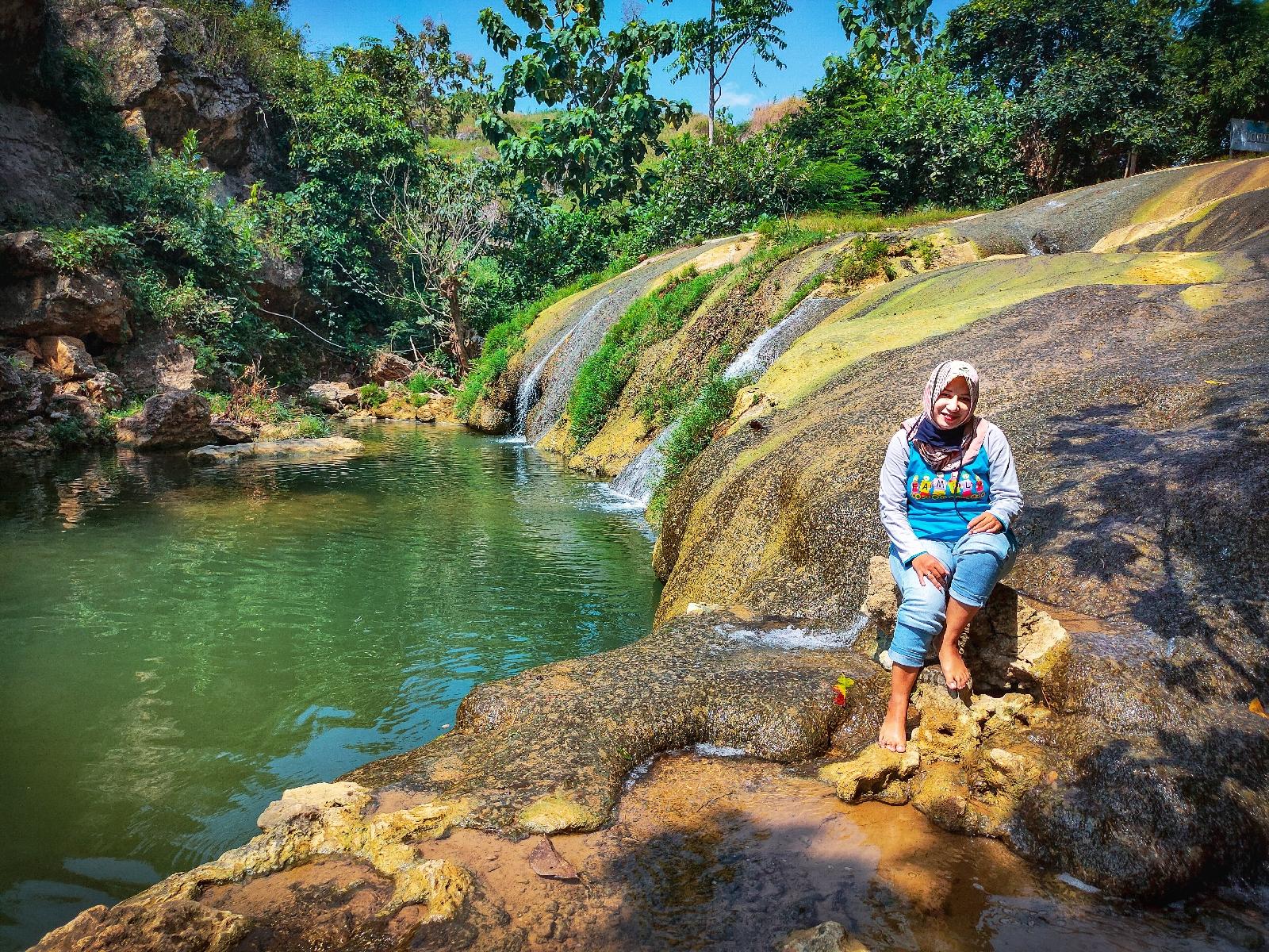 Lorodan semar air terjun sumber mata air alami