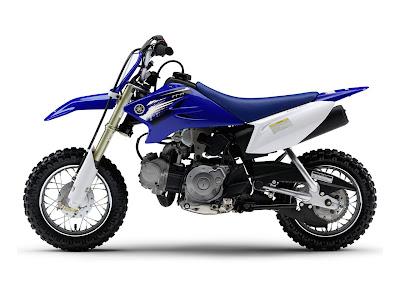 Yamaha_TT-R50E_2012_1280x960_Blue_02