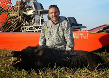 Larry Pechal, USA with a nice tusker from Carmor Plains. The airboat provides access to the wetlands and swamps that would otherwise be inaccessible.