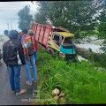 Dua Motor Dan Satu Truk Terlibat Kecelakan  di Jalan Raya Betek