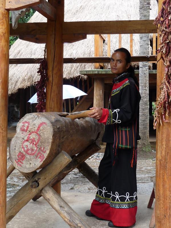 CHINE.YUNNAN.KUN MING Village des minorités 2 - P1270658.JPG