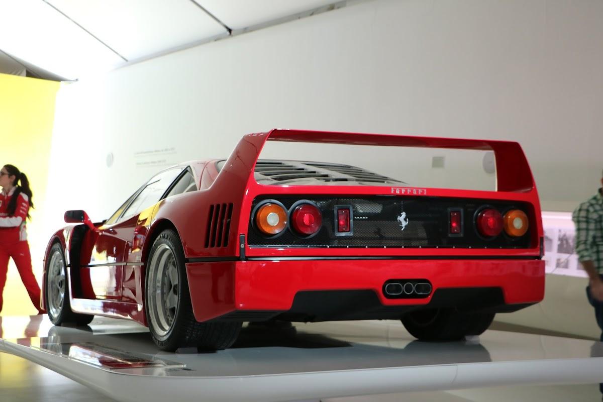 Modena - Enzo Museum 0019 - Ferrari F40.jpg