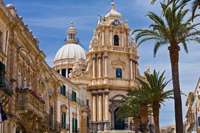 Ragusa-entre-las-joyas-artísticas-del-Vall-di-Noto-Sicilia