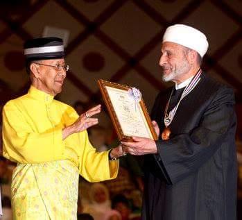 [Belasungkawa] Ulama' terkenal dunia Islam dari Syria, Syeikh Dr Wahbah Az-Zuhayli, 83, telah meninggal dunia semalam, Sabtu 8 Ogos 2015.