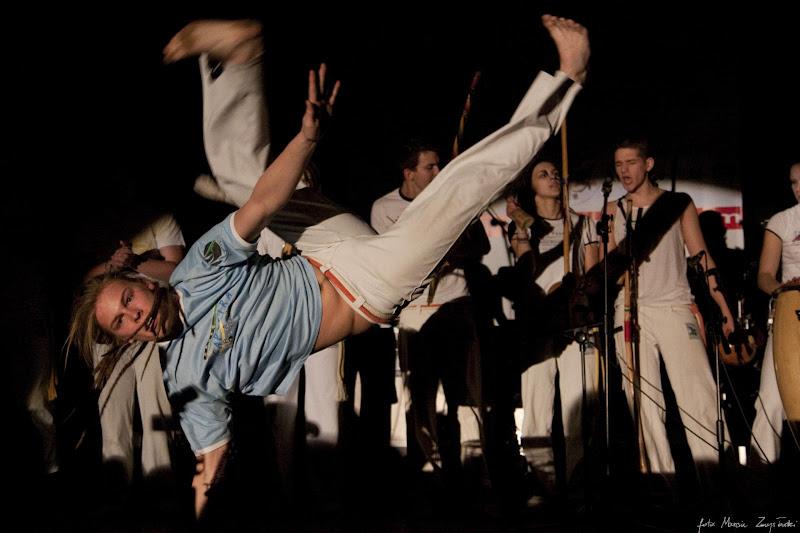 2010-01-10 - grupa Capoira na WOSP Gwiazdy muzyki polskie i zagraniczne