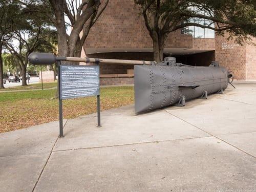 Civil war submarin H L Hunley