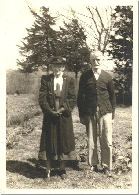 GILLEN_Elijah C & wife Bessie nee Cowan_circa 1940's_from Susan Burdick