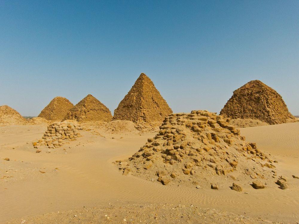 nubian-pyramids-5