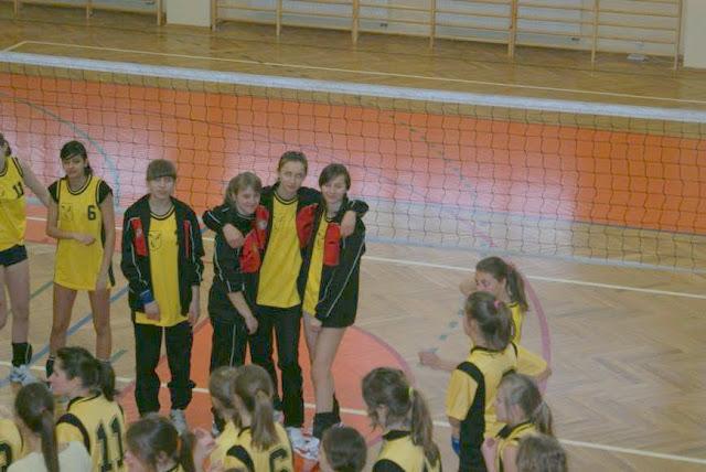 Zawody siatkarskie dziewczat 1 marca 2011 - DSC09272_1.JPG