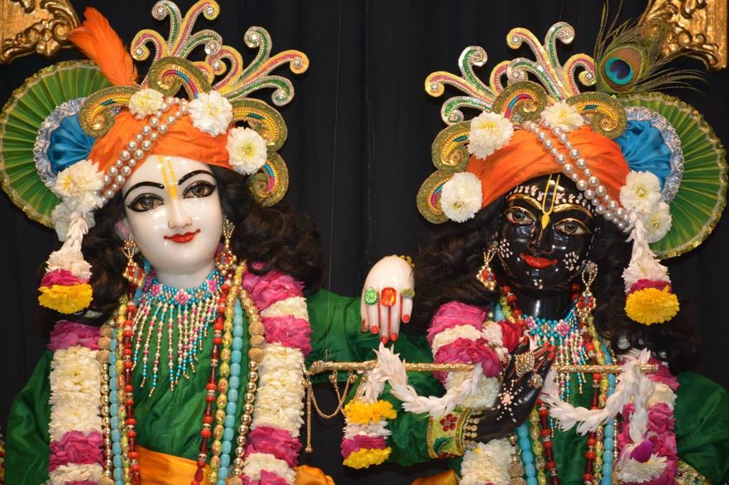 ISKCON Ujjain Deity Darshan 03 Feb 2016 (5)