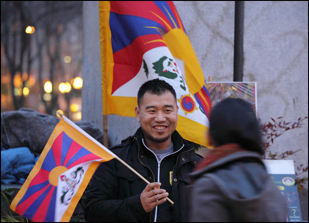 Self-Immolations in Tibet: Candle Vigil in Downtown Seattle - IMG_0429%2B1-28-12%2B72Aa%2BCandle%2BVigil.jpg