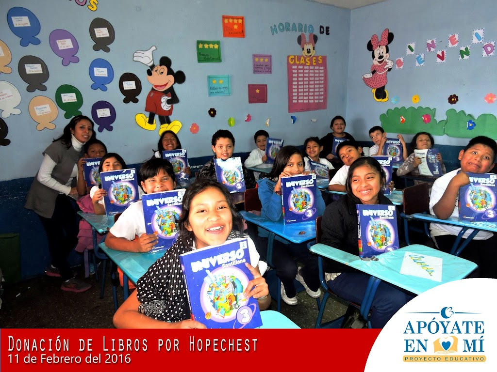 Donacion-de-Libros-de-Texto-por-Hope-Chest-08