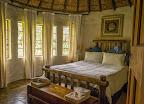 Semi-Luxury Kingfisher Room - Main Bedroom