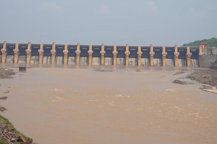 Omkareshwar and Hanmuntiya water resort - DSC06431.JPG