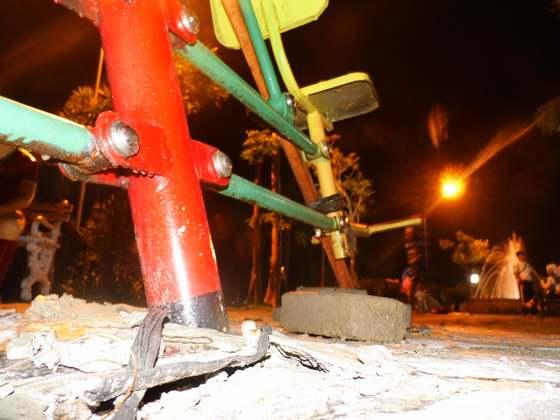Dewan sidak, Mega Proyek face off alun alun Ngawi ditemukan beberapa  melenceng bestek serta alat jogging di zona 3 ambrol dari dudukannya.