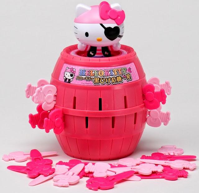 Tên Cướp biển Hello Kitty sẽ nhảy bật ra tẩu thoát khỏi chiếc thùng gỗ rất thú vị