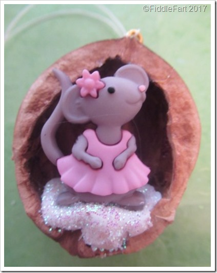 LIttle Mouse Walnut Shell Ornament Tree Decoration Christmas