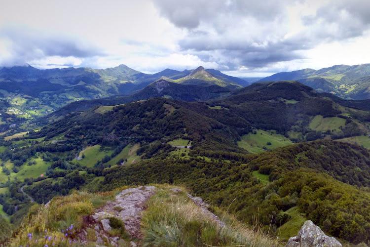 Le Cantal à pied - L'Elancèze et la Cascade de Faillitoux