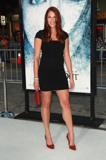 Amanda Righetti legs and calves