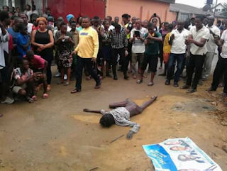 [PHOTOS, VIDEO] Flying Bird Allegedly Turns Into A Human Being In Port Harcourt After Landing On High Tension wire