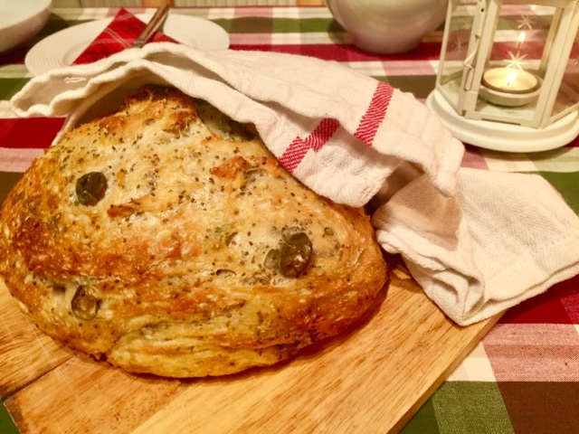No-knead Provençal pot bread with olives