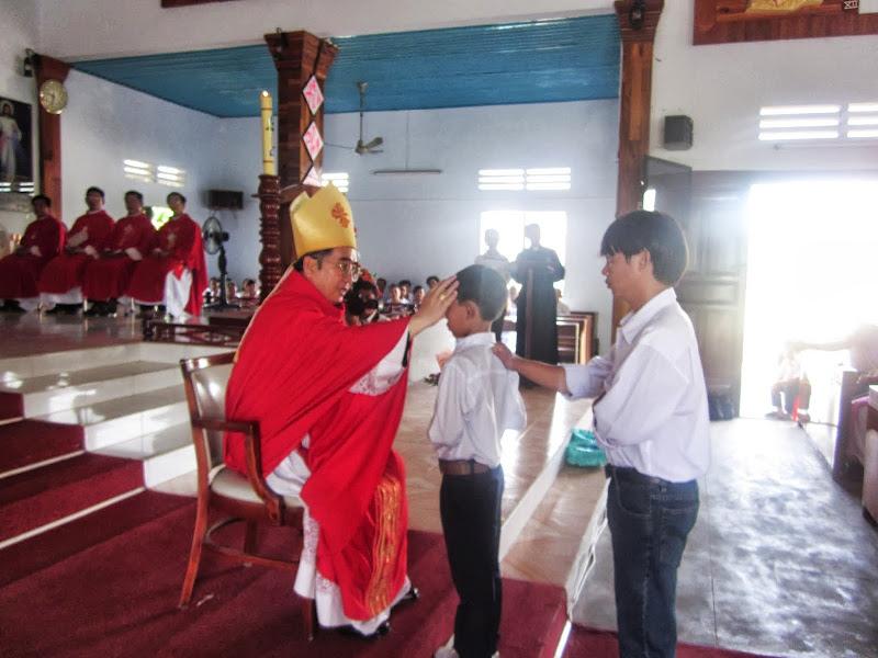 Thánh Lễ Ban Phép Thêm Sức tại Giáo xứ Hòn Thiên