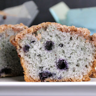 Blueberry Muffins w/ Crunch Topping
