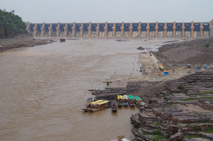 Omkareshwar and Hanmuntiya water resort - DSC06328.JPG