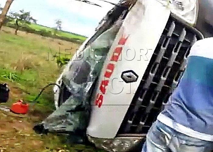 SÃO-JOSÉ-Quatro-feridos-dois-em-estado-grave-após-capotamento-de-Van-da-Secretaria-de-Saúde-na-BR-364