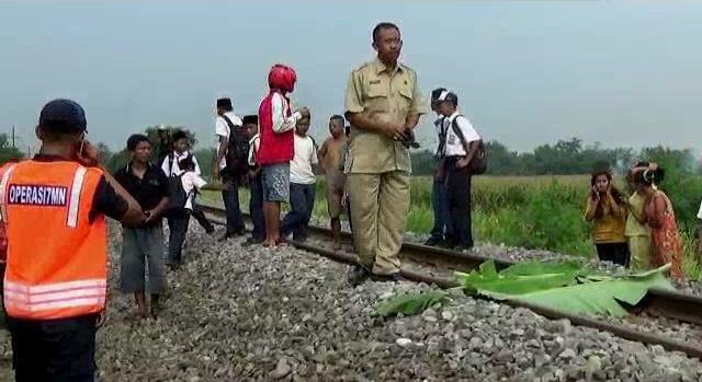 Perlintasan KA Tanpa Palang Pintu di Jombang Makan Korban, Pengemudi Betor Tewas Disambar Rapi Dhoho