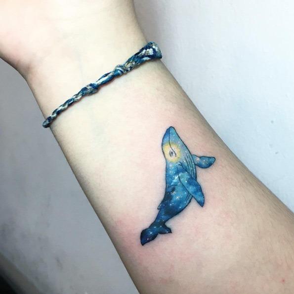 Este cósmica baleia tatuagem