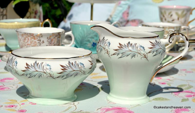 Aynsley pale green leaves vintage milk jug and sugar bowl