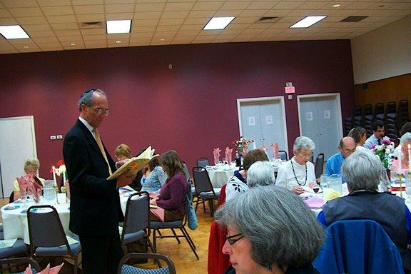 2009 Interfaith Seder - 100_3423.JPG