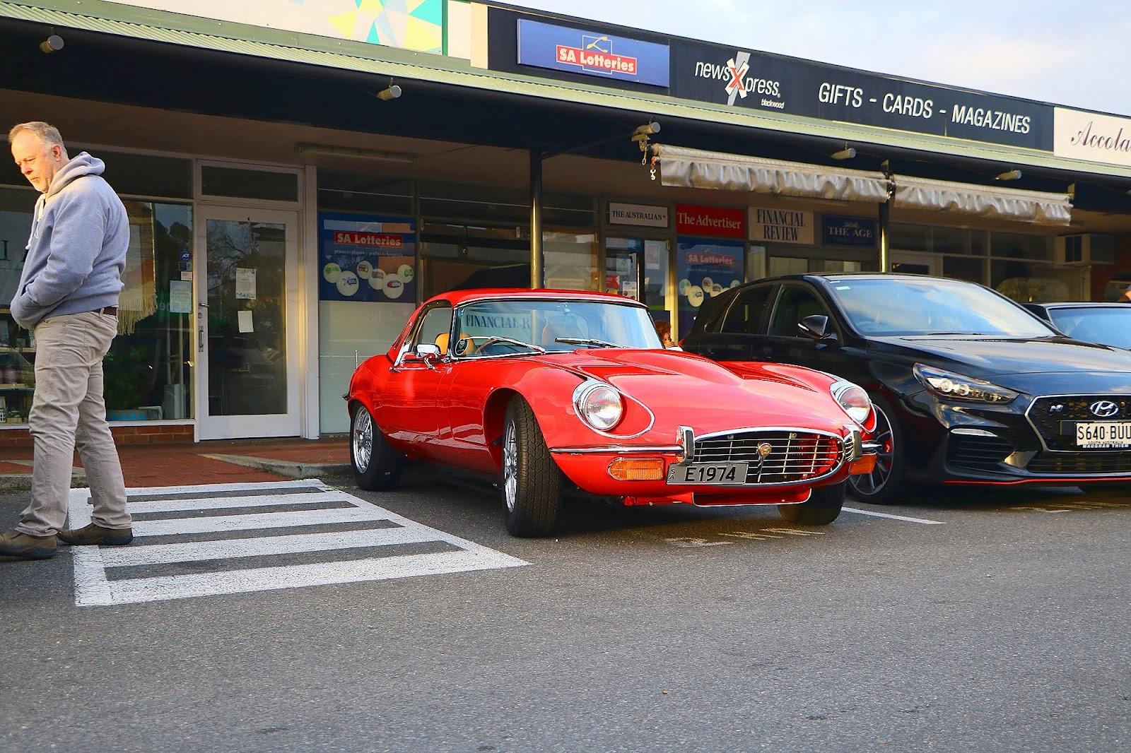 1974 Jaguar E-Type V-12 Front Right.jpg
