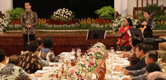 Semua Menteri Dikumpulkan, Tiba-tiba Jokowi Minta Maaf: Saya Manusia Biasa yang Penuh Kekhilafan