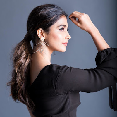 Actress Pooja Hegde Photos  IMAGES, GIF, ANIMATED GIF, WALLPAPER, STICKER FOR WHATSAPP & FACEBOOK
