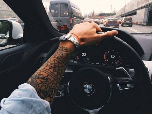simples_braço_de_tatuagem