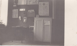 Интерьер волостной канцелярии(из собрания Нарвского городского музея NLM F 689:6)
