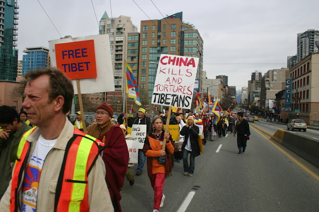Global Protest in Vancouver BC/photo by Crazy Yak - IMG_0229.JPG