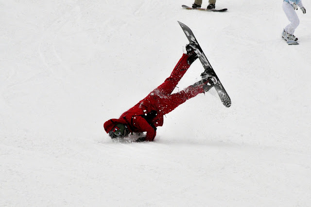 "Snowboarding 101: ""Things not to do"" / Credit: Lana Kolbert"