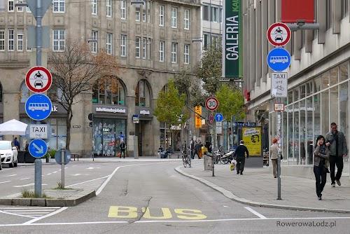 Oczywiście na buspasy mogą wjeżdżać rowery.