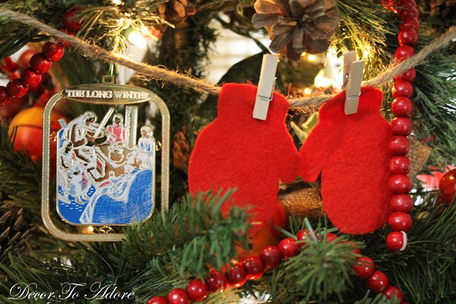 Little House Red Mittens 045-001