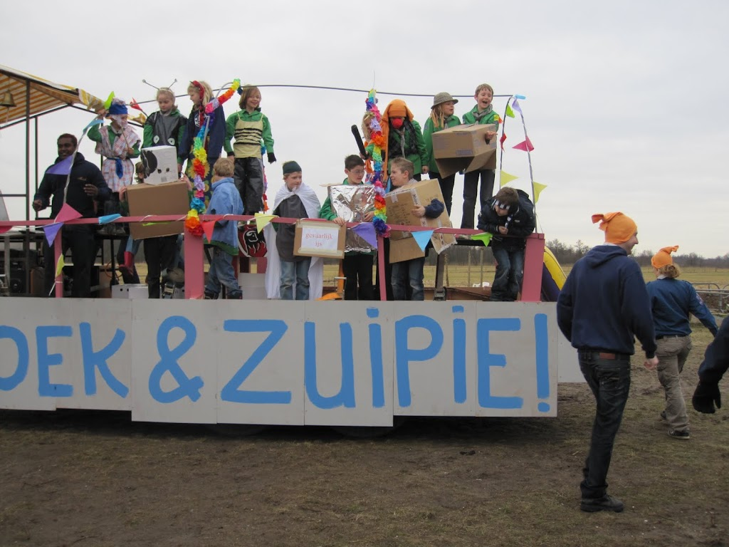 Welpen - Knutselen carnaval - IMG_5383.JPG