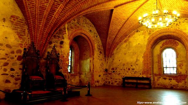 interior-castillo-trakai.JPG